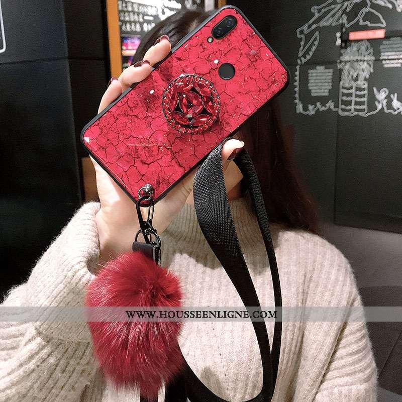 Housse Xiaomi Redmi 7 Silicone Protection Rouge Fluide Doux Ultra Violet Ornements Suspendus